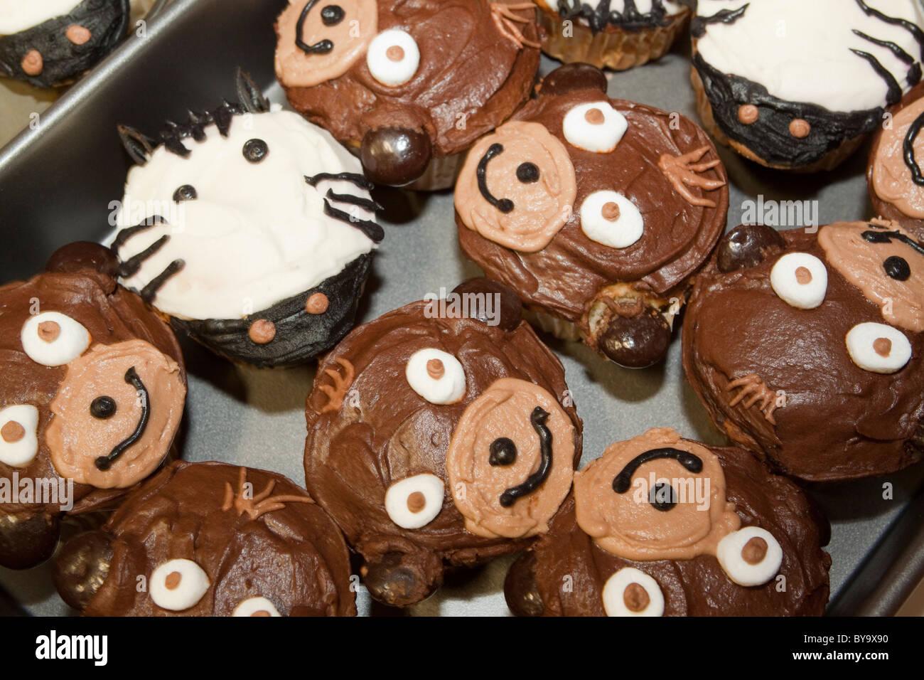 Zebra Cake Recipe Joy Of Baking: Zebra And Monkey Faces On Party Cupcakes Stock Photo