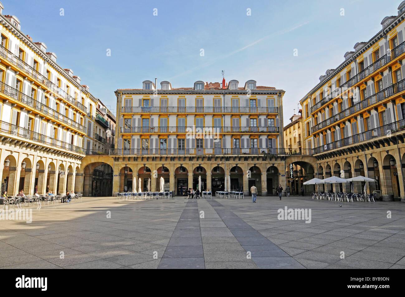 Plaza de la constitucion san sebastian pais vasco - San sebastian pais vasco ...