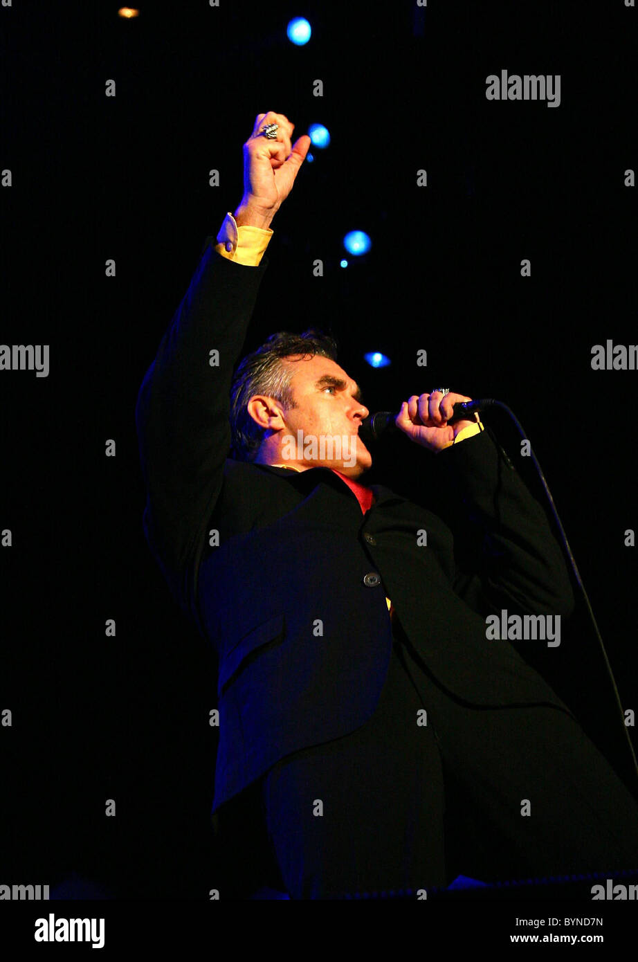 morrissey performing at the backyard austin texas 26 05 07