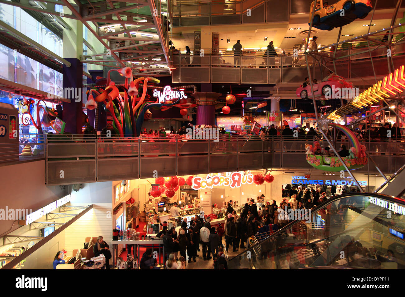 Crowd inside Toys r us store at Times square New York for ...