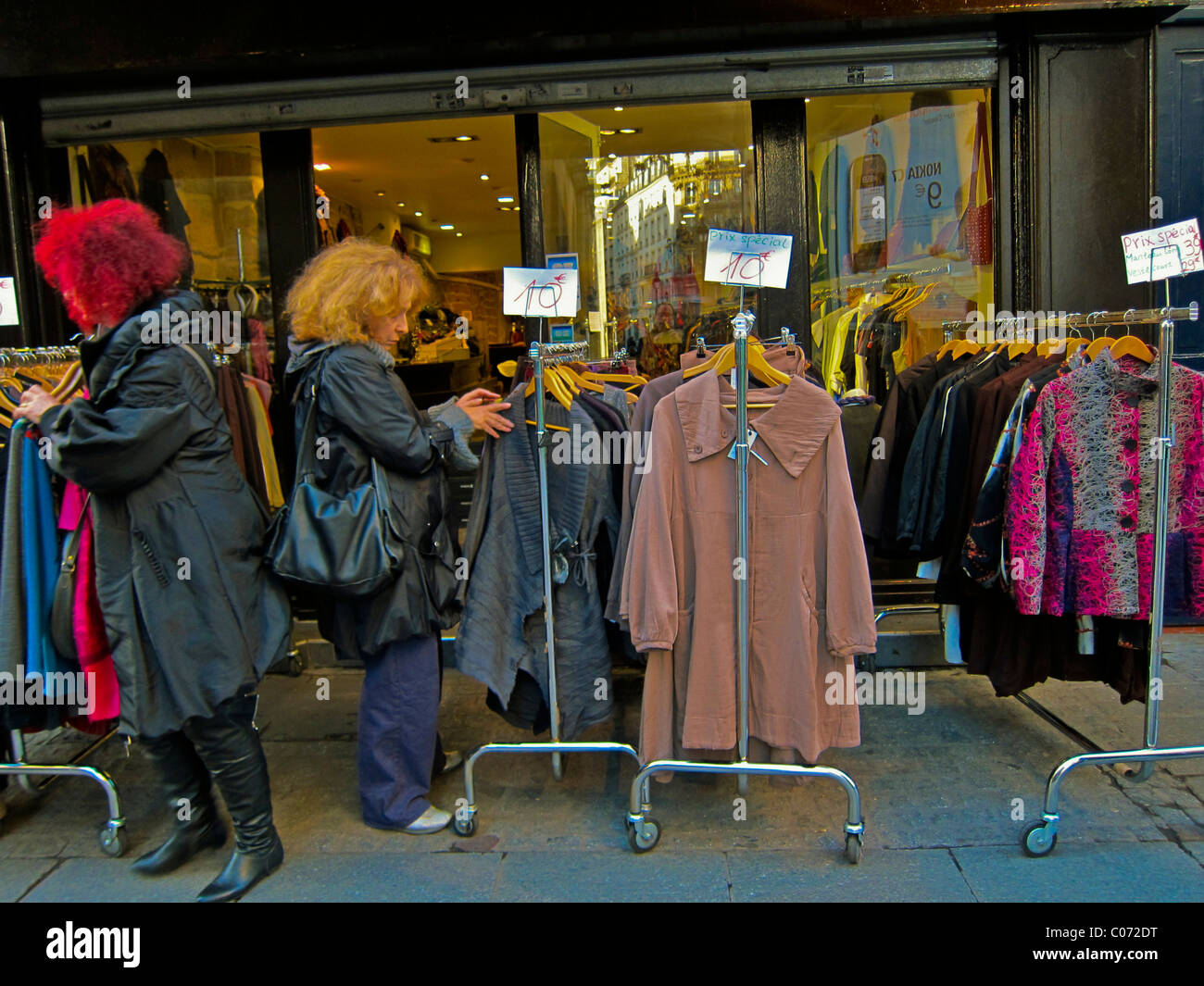 Clothing stores in paris france