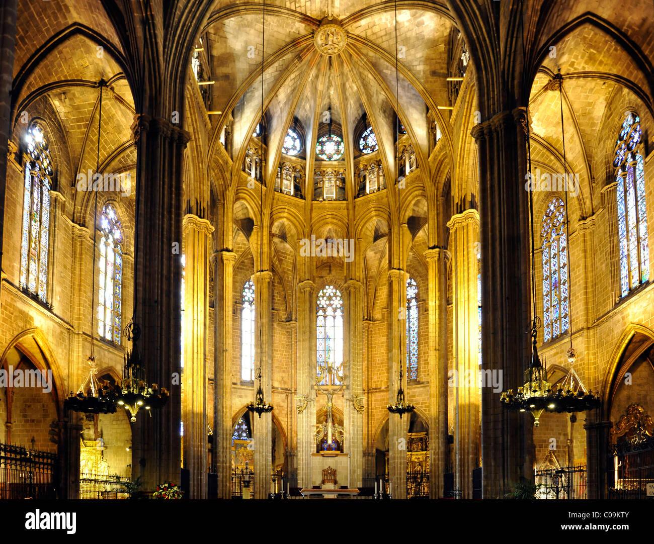 Interior choir gothic cathedral of la catedral de la for Catedral de barcelona interior