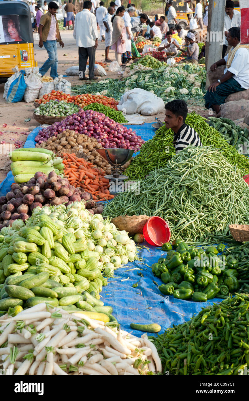 essay of fruits and vegetables sellers in hindi Tina & bana stories for kids in hindi, this set of moral stories for children are presented by infobells, which implants good moral values in children  phal and more fruits and vegetable.
