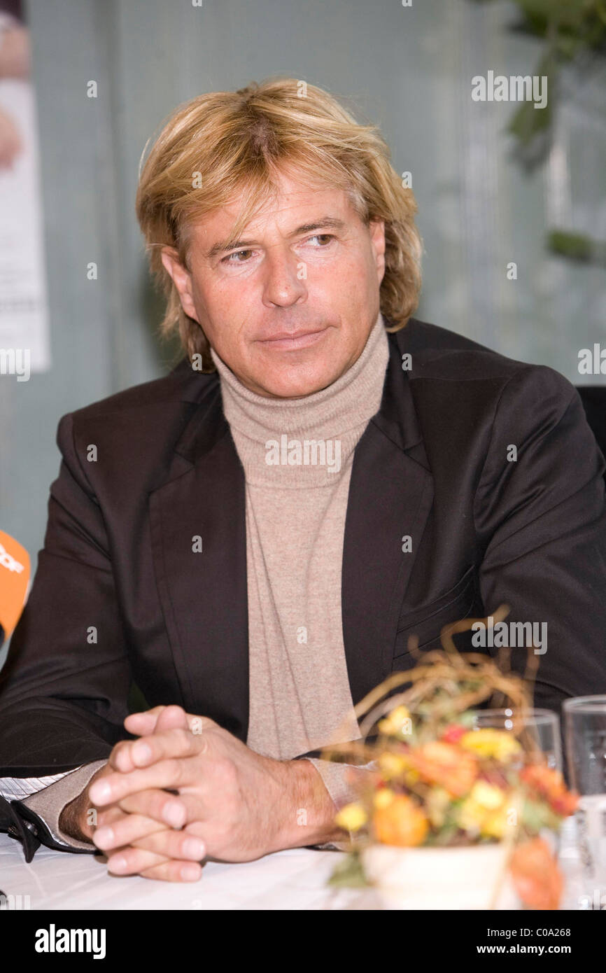 Hinterseer Berlin hansi hinterseer press conference and photocall to announce his 2008