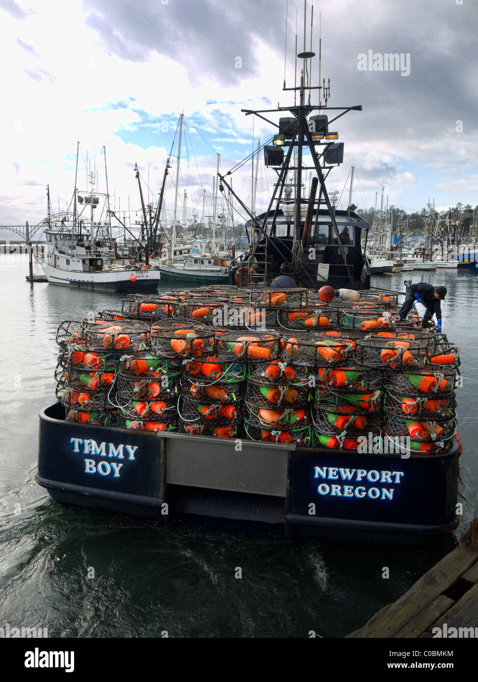 Fishing vessel timmy boy loaded with crab pots in newport for Crab fishing oregon