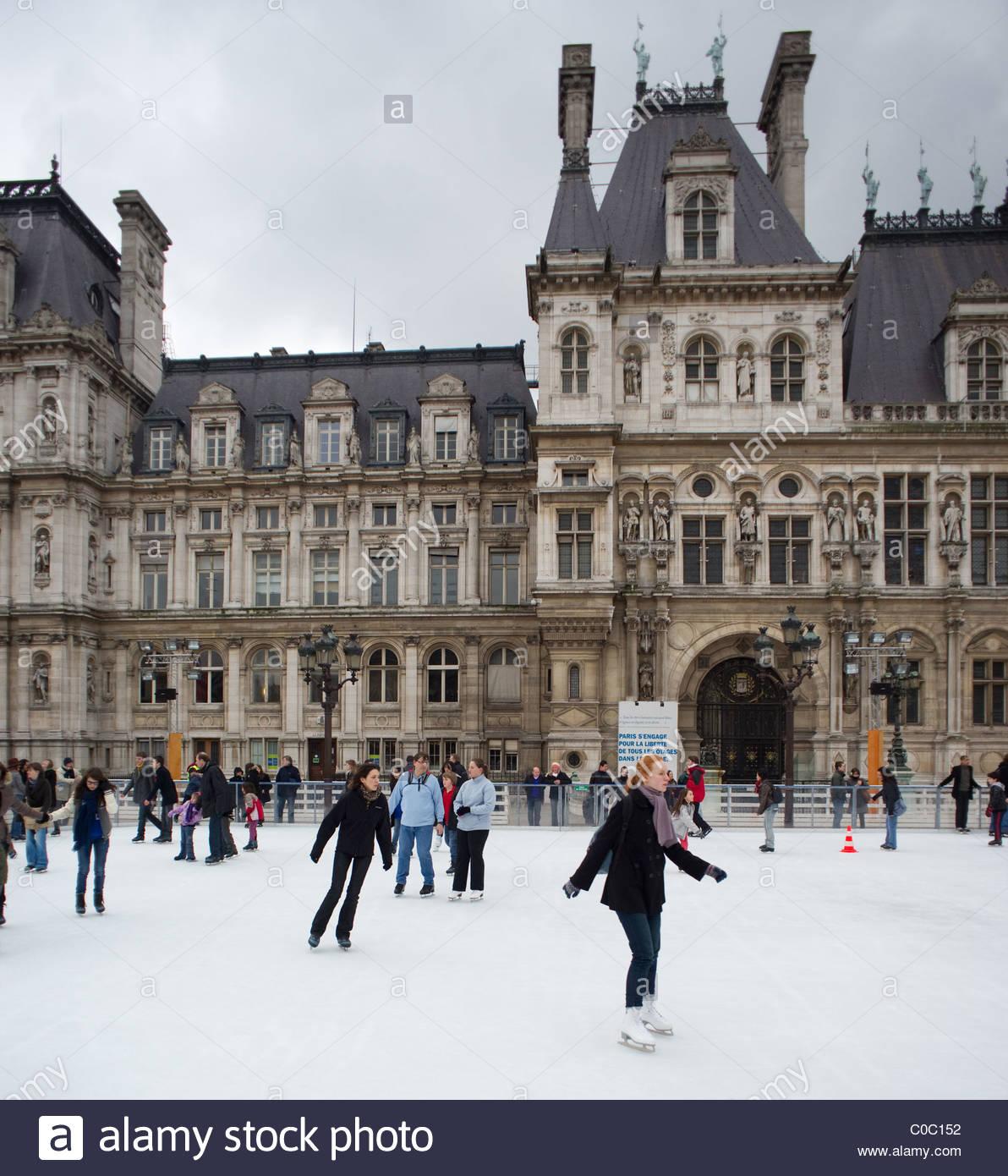 paris france woman ice skating stock photos u0026 paris france woman