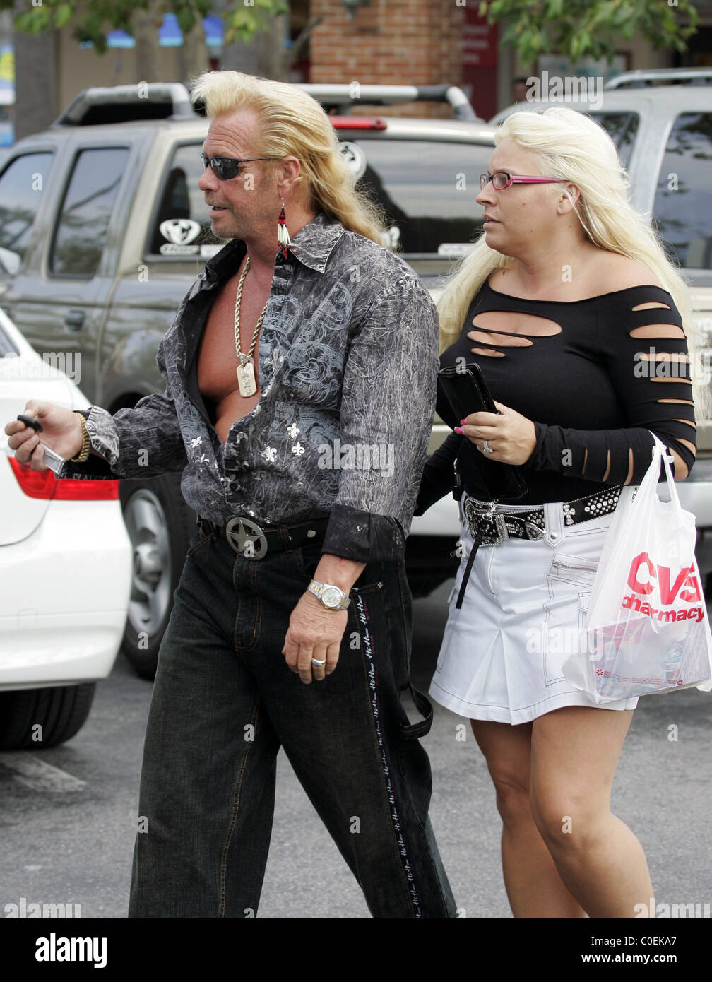 The gallery for dog the bounty hunter family 2013 for Duane chapman dog the bounty hunter
