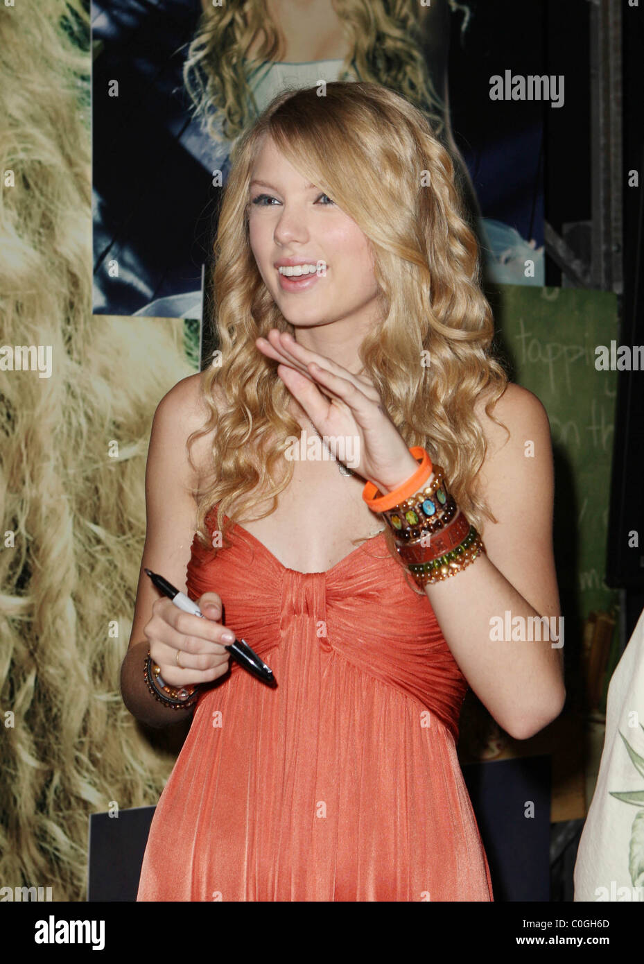 Taylor swift 2008 cma music stock photos taylor swift 2008 cma taylor swift 2008 cma music festival day 3 fan meet and greet at the nashville kristyandbryce Gallery