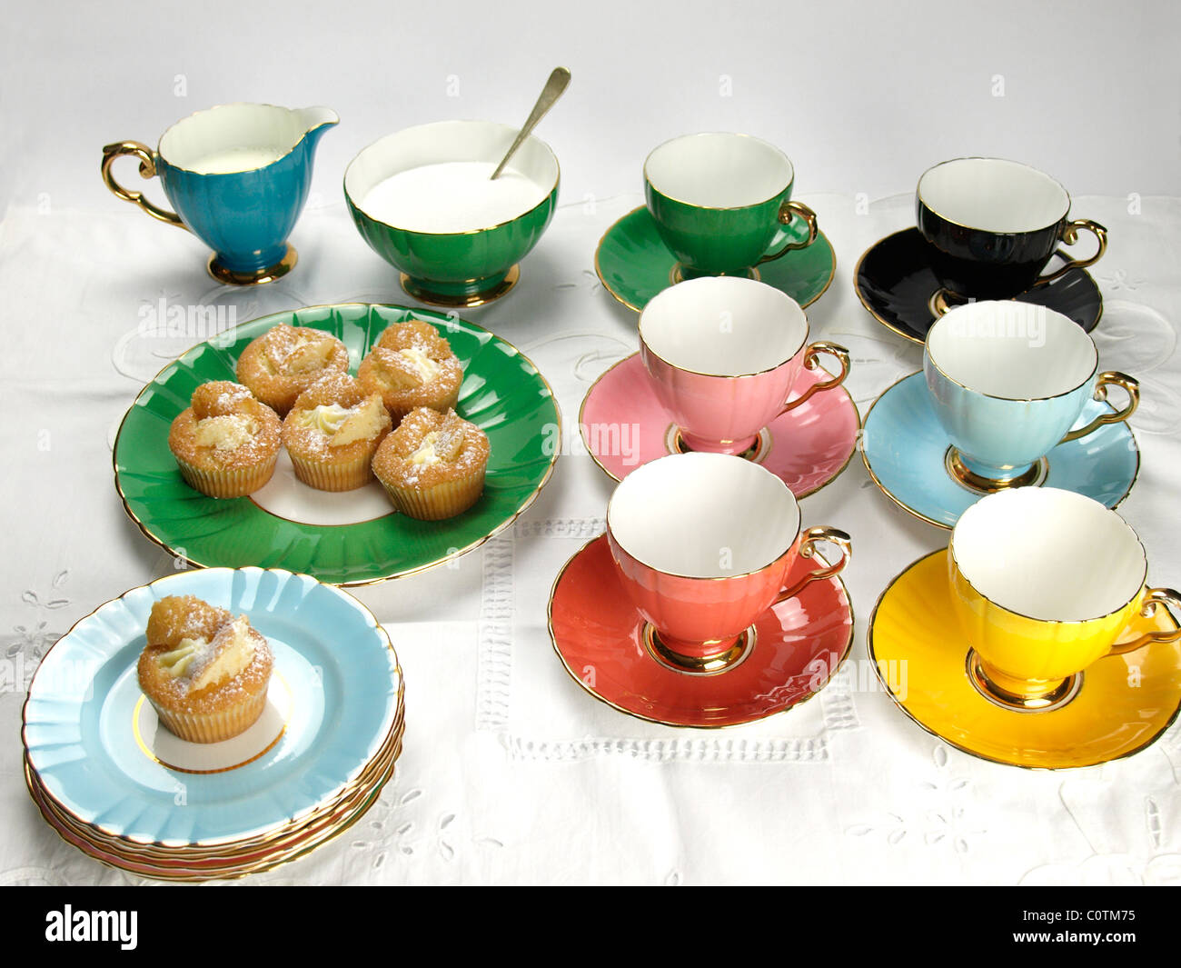 edwardian bone china 22 kt gold tea service stock photo royalty free image 34963465 alamy. Black Bedroom Furniture Sets. Home Design Ideas