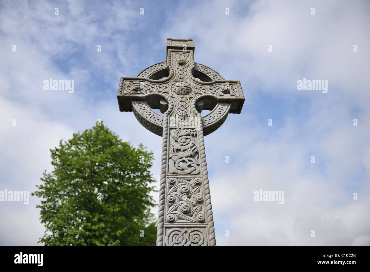 Celtic cross in old st michaels cemetery athy co kildare celtic cross in old st michaels cemetery athy co kildare ireland voltagebd Images