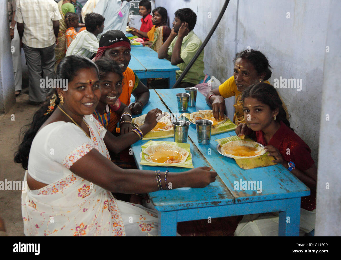 Simple restaurant indian family palani tamil nadu for Aharam traditional cuisine of tamil nadu