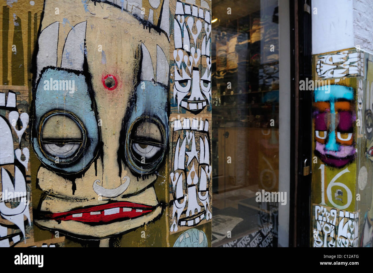 Graffiti on a Skateboarding Shop, Neal\'s Yard, Covent Garden Stock ...