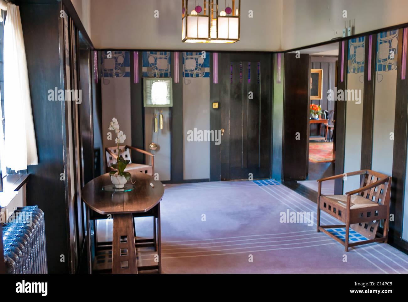 ENTRANCE HALL RENNIE MACKINTOSH HILL HOUSE GLASGOW SCOTLAND UNITED KINGDOM