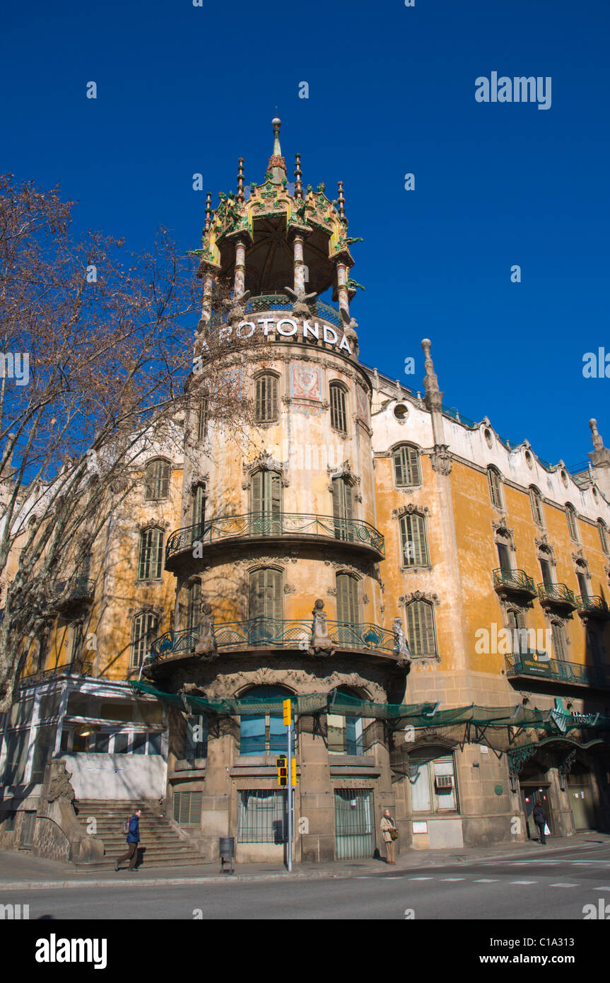 La rotonda building by adolf ruiz i casamitjana at placa john f stock photo royalty free image - Placa kennedy barcelona ...