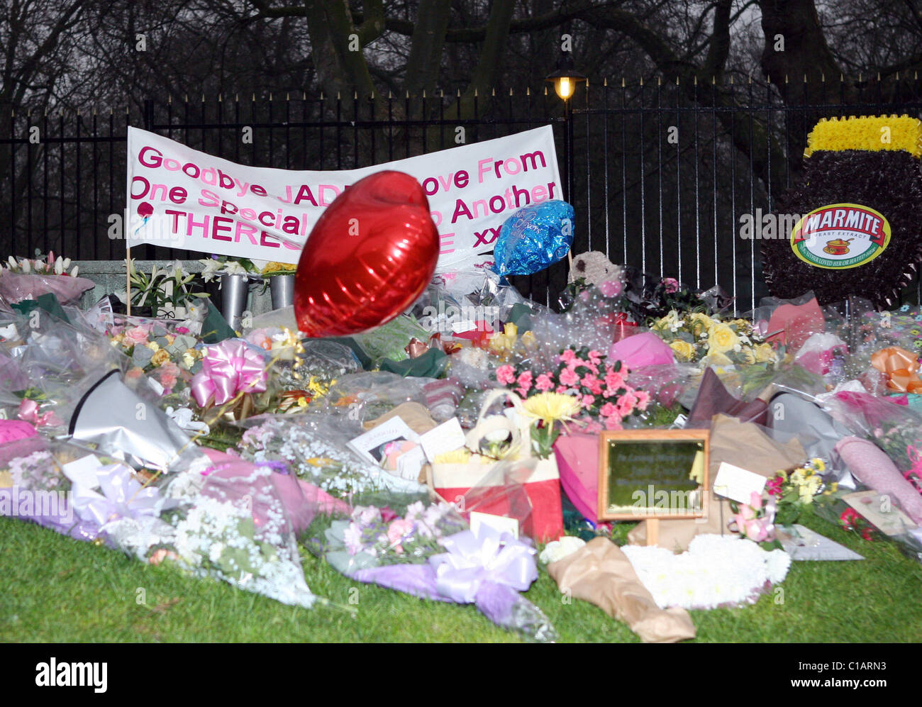 Mourners Leave Flowers And Messages For Jade Goody The Funeral Of