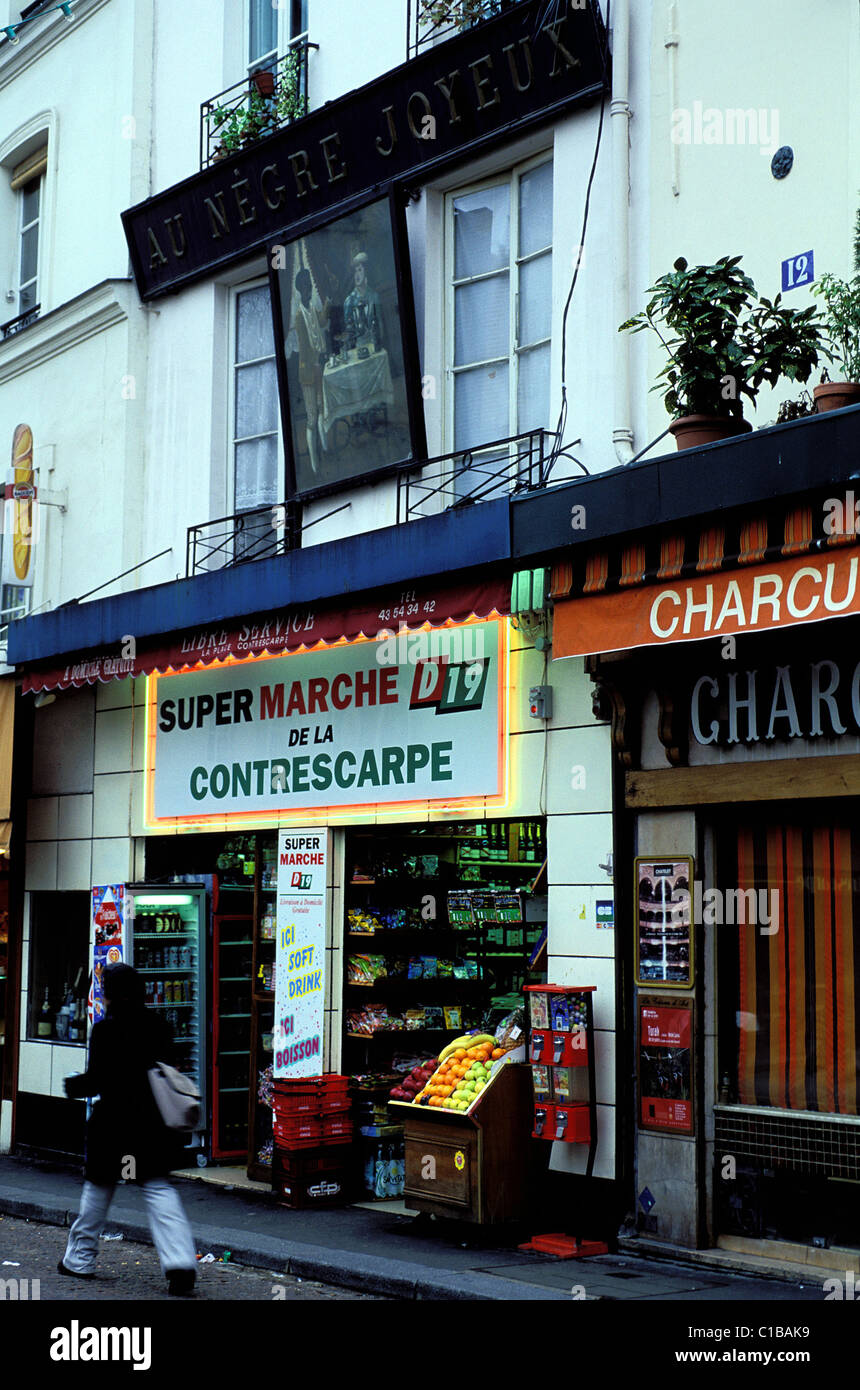 France, Paris, restaurant Au negre joyeux on Mouffetard Street ...