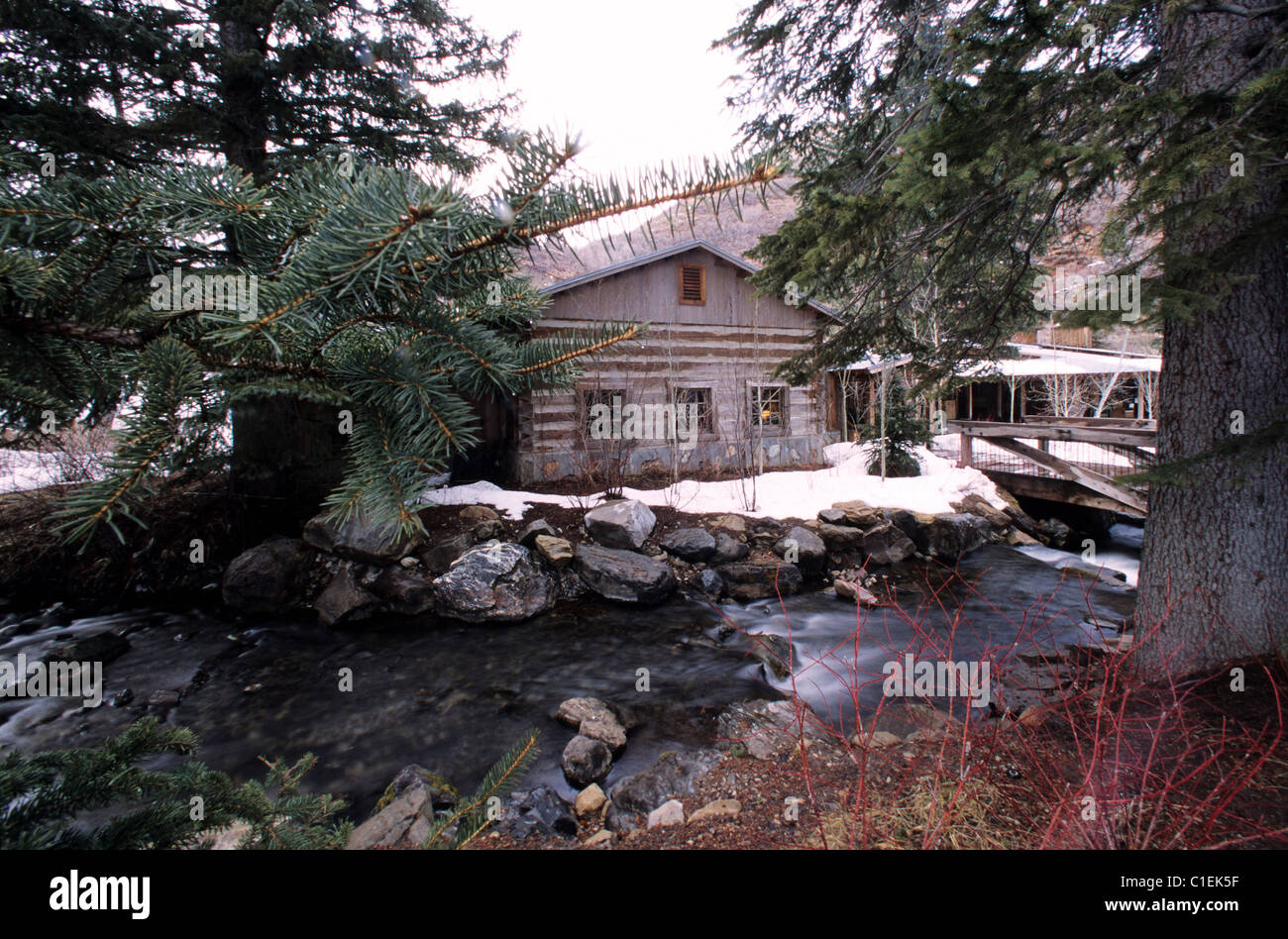 Jul 18, · Resort Red Mountain Resort This is a Preferred Partner property. It's committed to giving guests a positive experience with its excellent service and great value. This property might pay henpoi.tk a little more to be in this Program/10(91).