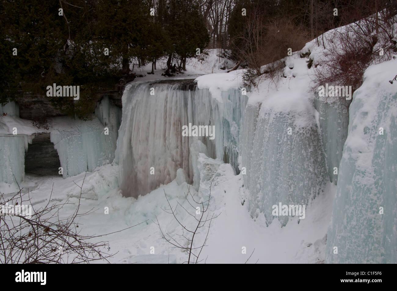 Pleasing Bridal Veil Falls In Winter Manitoulin Island Ontario Canada Hairstyles For Men Maxibearus