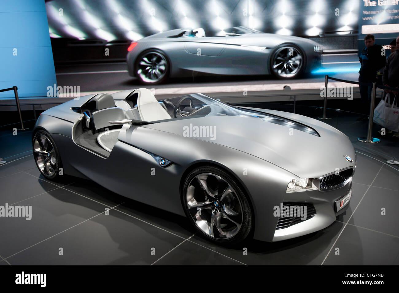 BMW Vision ConnectedDrive concept car at Geneva Motor Show 2011 ...