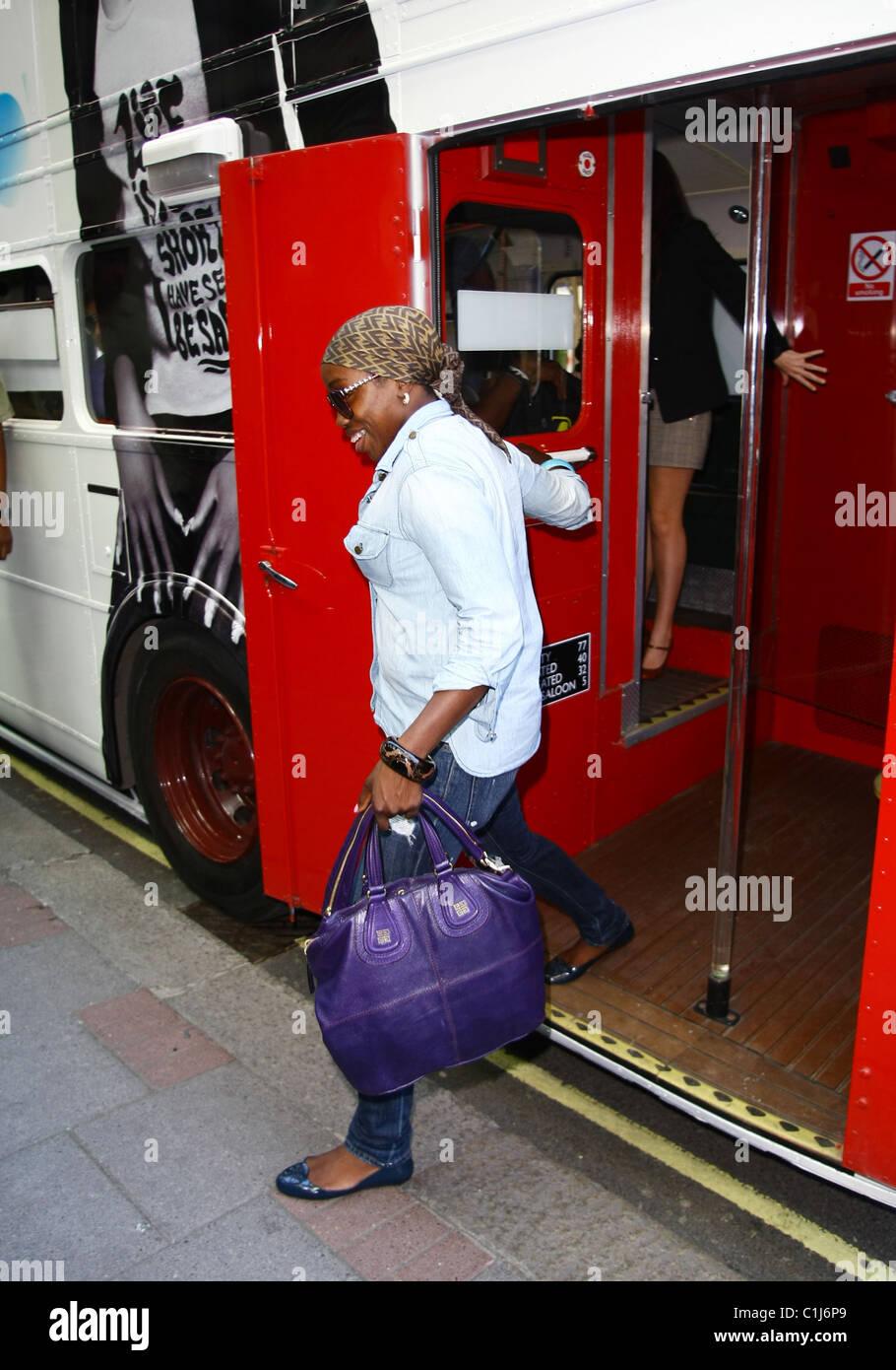 Hotel Estelle Singer Estelle Arrives At The Mayfair Hotel On A Routemaster