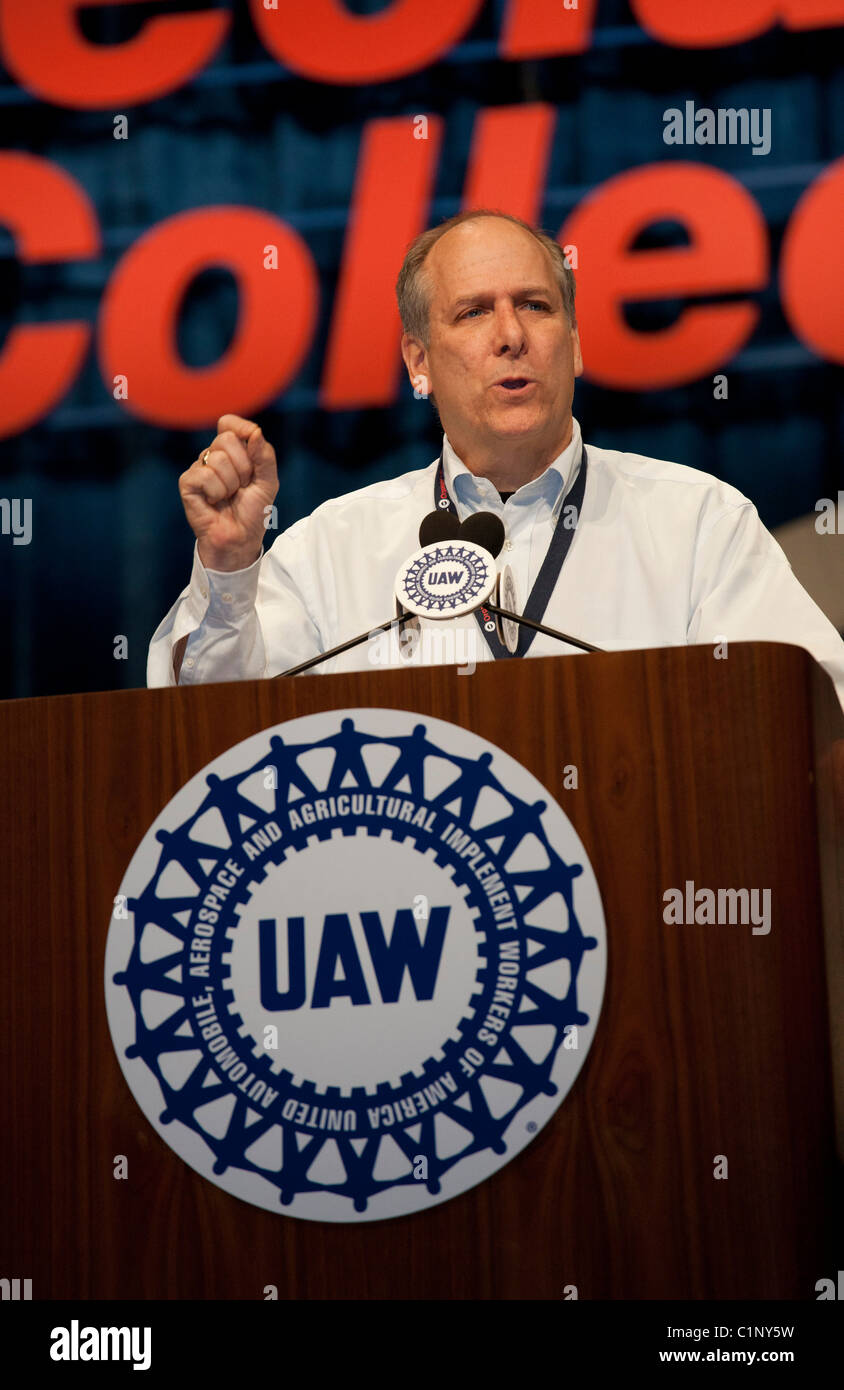 united auto workers The united auto workers union won its first organizing vote at a foreign-owned auto assembly plant in the us south on friday, in a groundbreaking victory after decades of failed attempts.