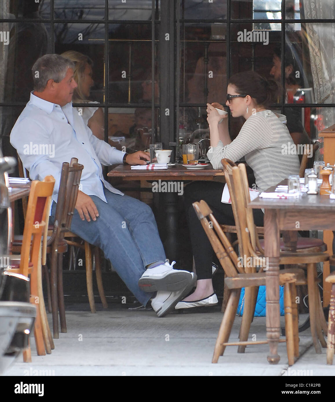 Anne Hathaway Having Lunch With A Friend And In The West