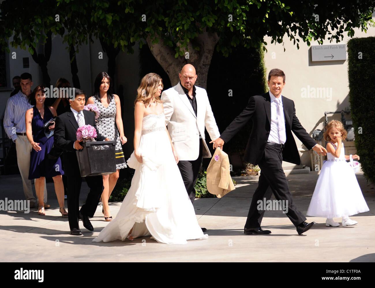 Mark wahlberg married