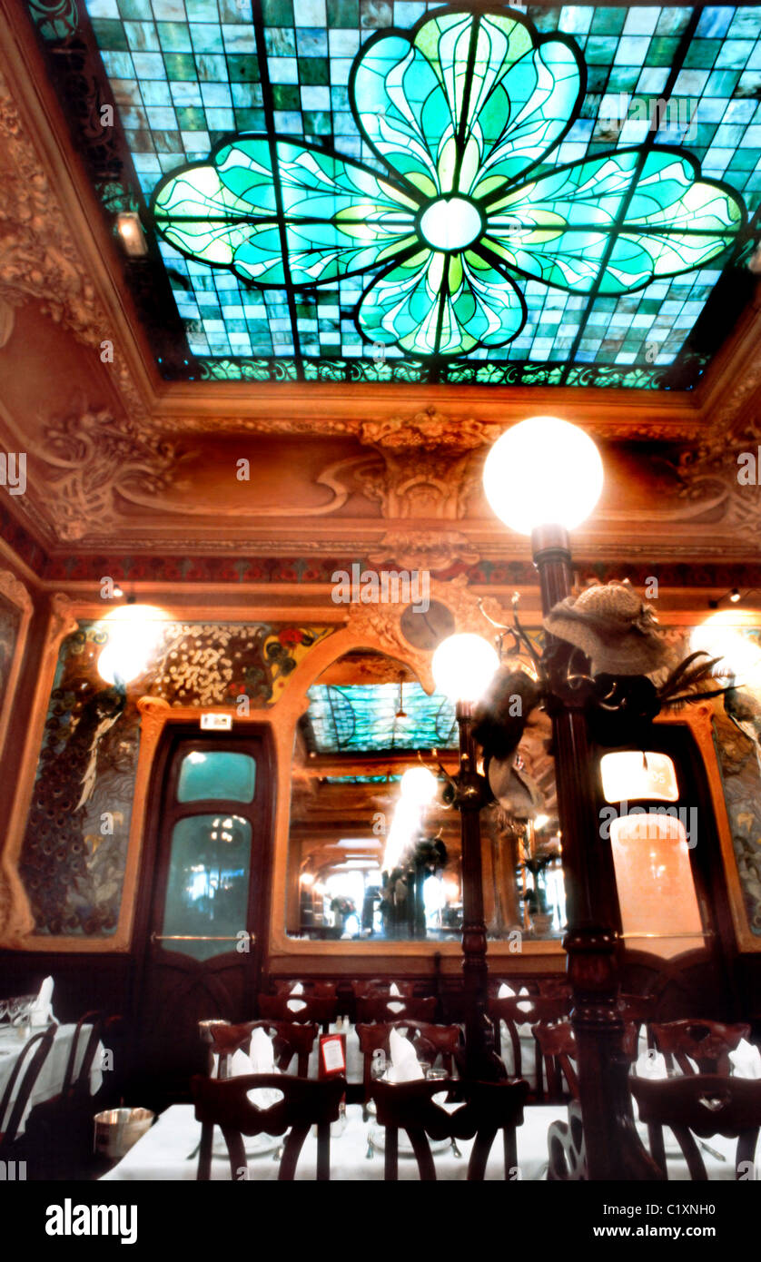 France Paris Traditional French Restaurant Brasserie Art Nouveau Design DIning Room Julien Groupe Flo