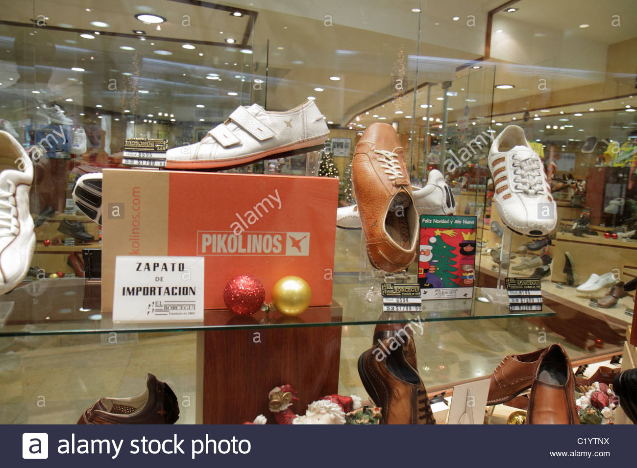 Cancun Mexico Shopping Shopper Shoppers Shop Shops Stock Photos  # Muebles Dipay Cancun
