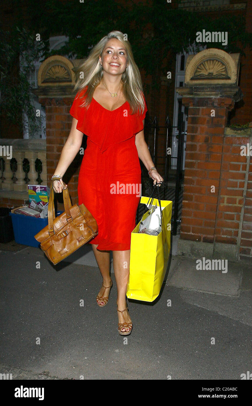 holly willoughby leaving her house to make her way to the. Black Bedroom Furniture Sets. Home Design Ideas