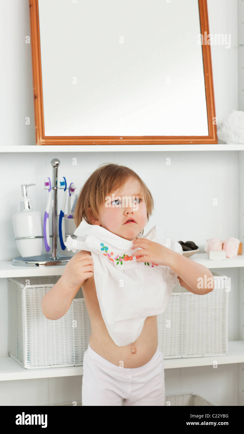 Photos of girl without any cloth in bathroom - Small Girl Changing Clothes