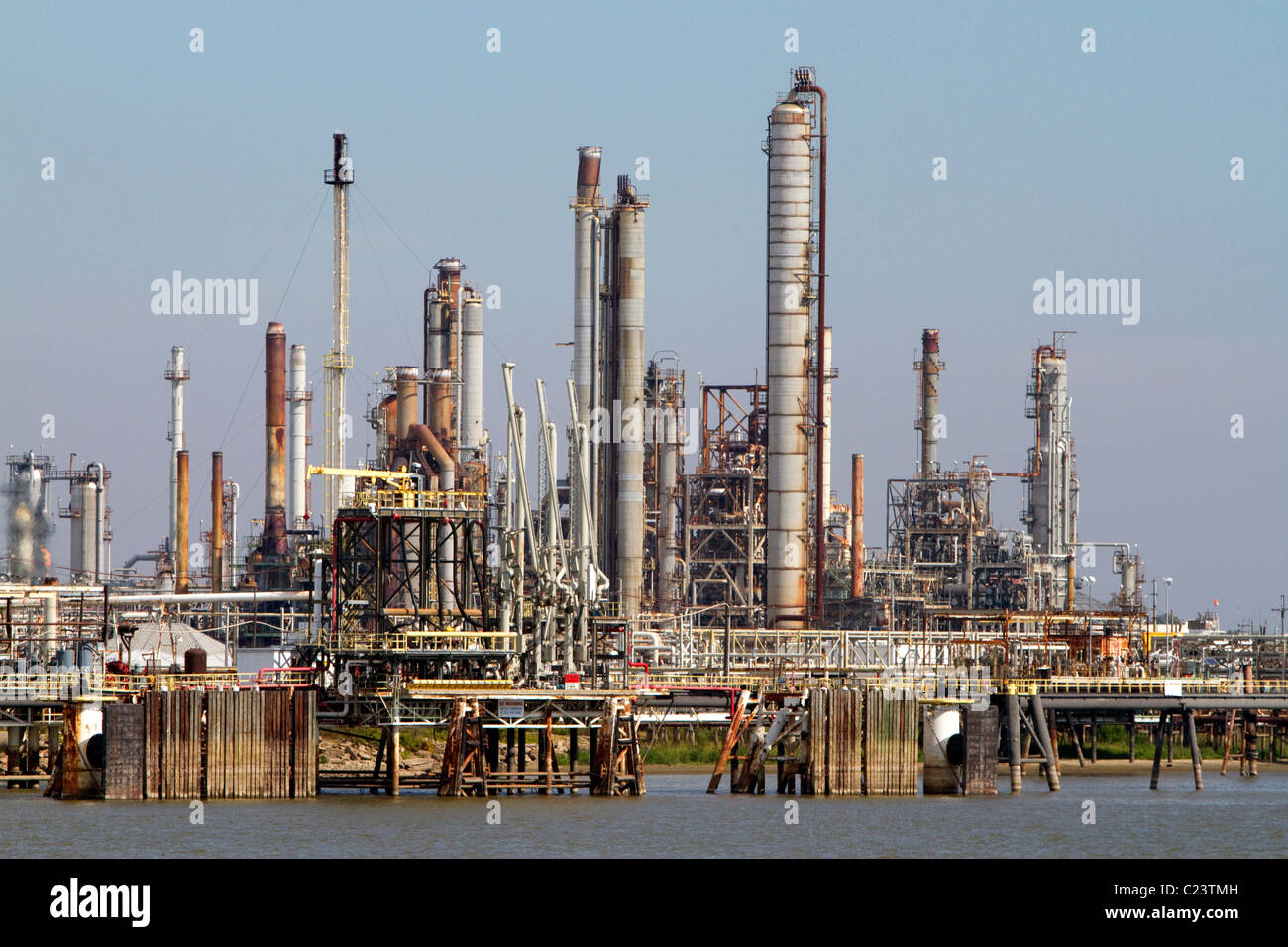 Oil refinery on the Mississippi River near New Orleans, Louisiana ...