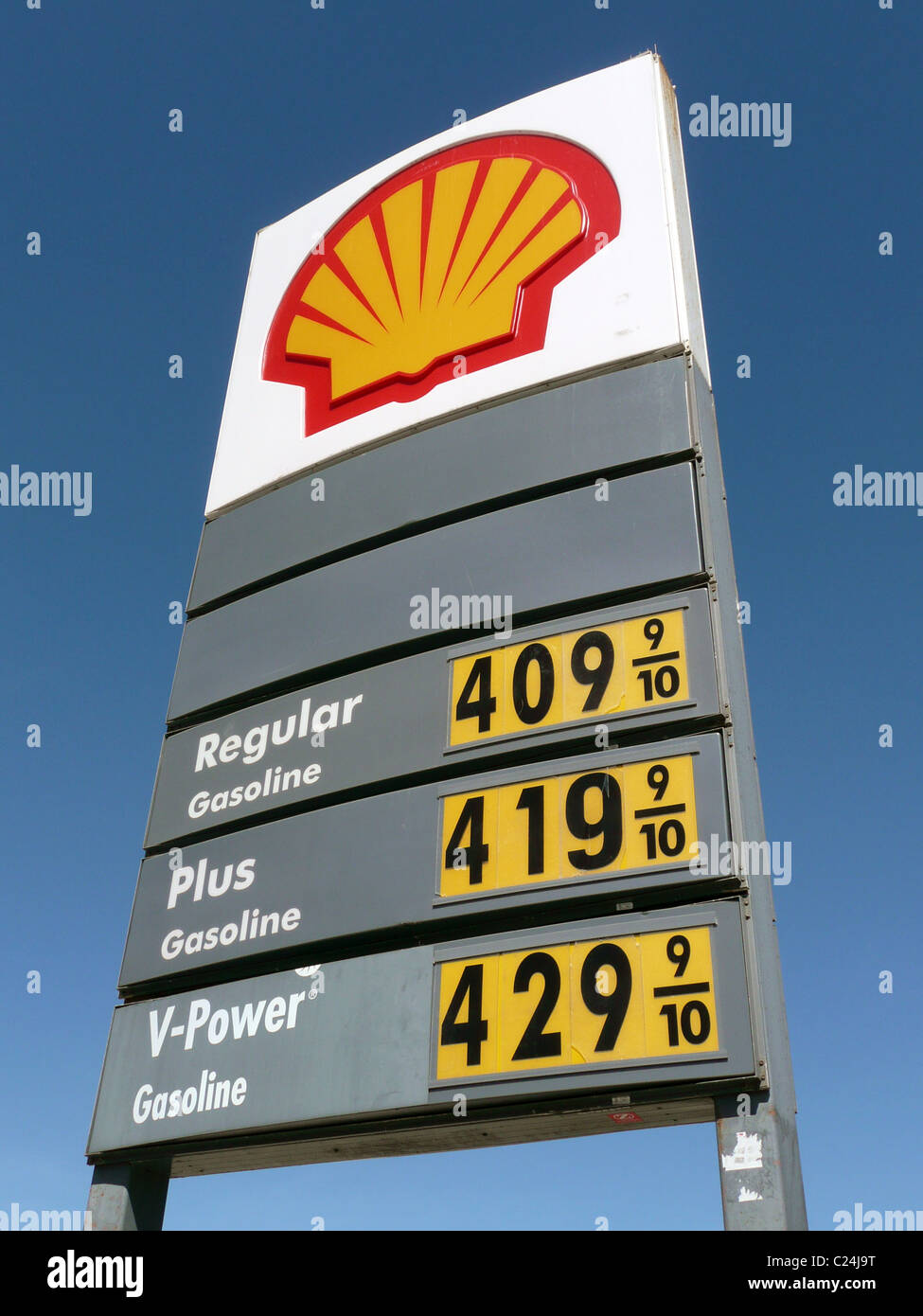 Gas Prices In California >> Shell gas station sign showing gasoline prices over $4 per gallon Stock Photo, Royalty Free ...