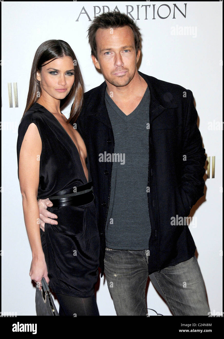 Sean patrick flanery dating history