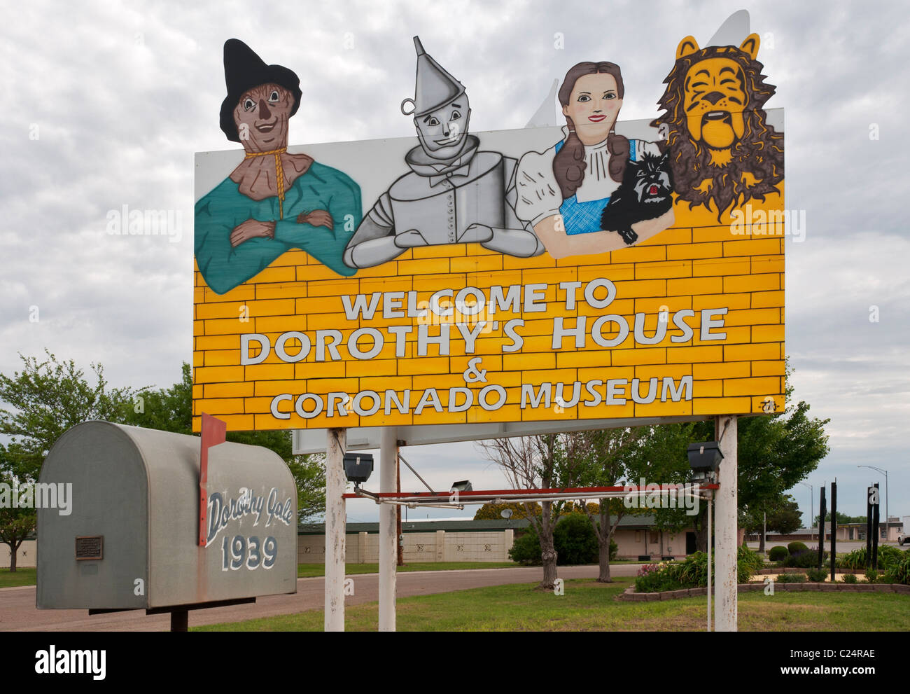 Kansas Liberal Dorothys House Replica Of Fictional Farmhouse And Yellow Brick Road To Land Oz