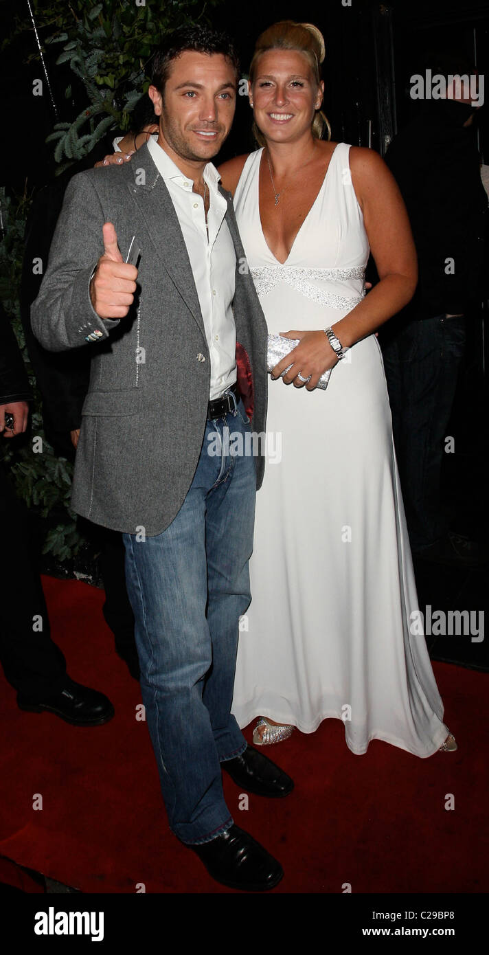 gino d 39 acampowith his wife jessica this morning 21st. Black Bedroom Furniture Sets. Home Design Ideas