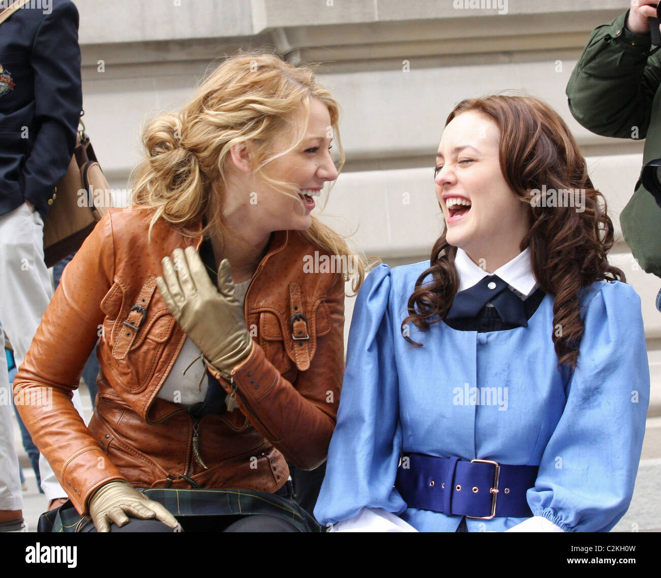 Blake Lively Leighton Meester At The Film Set For CWs Gossip - Film museums in usa