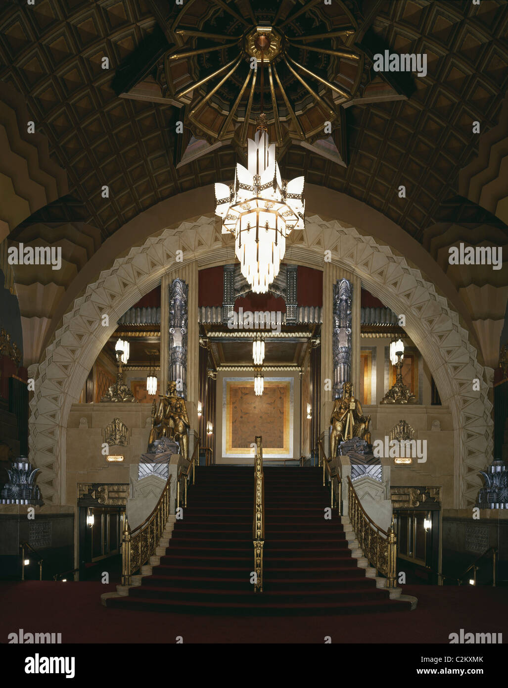 Pantages theater 6233 hollywood boulevard california 1929 restored 2001 by spf architects interior arched entrance lobby