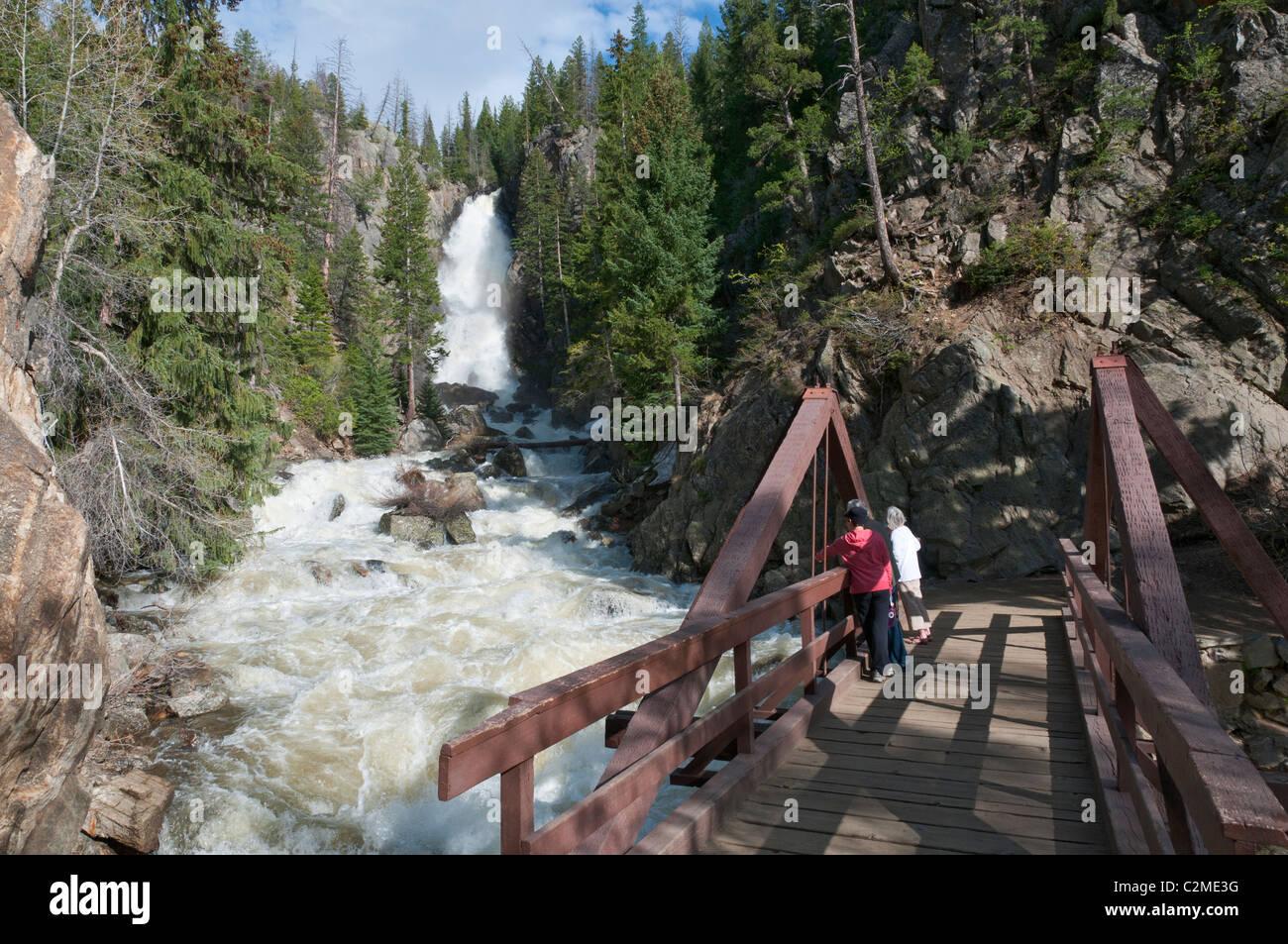 Colorado steamboat springs fish creek falls 283 foot for Fish creek falls