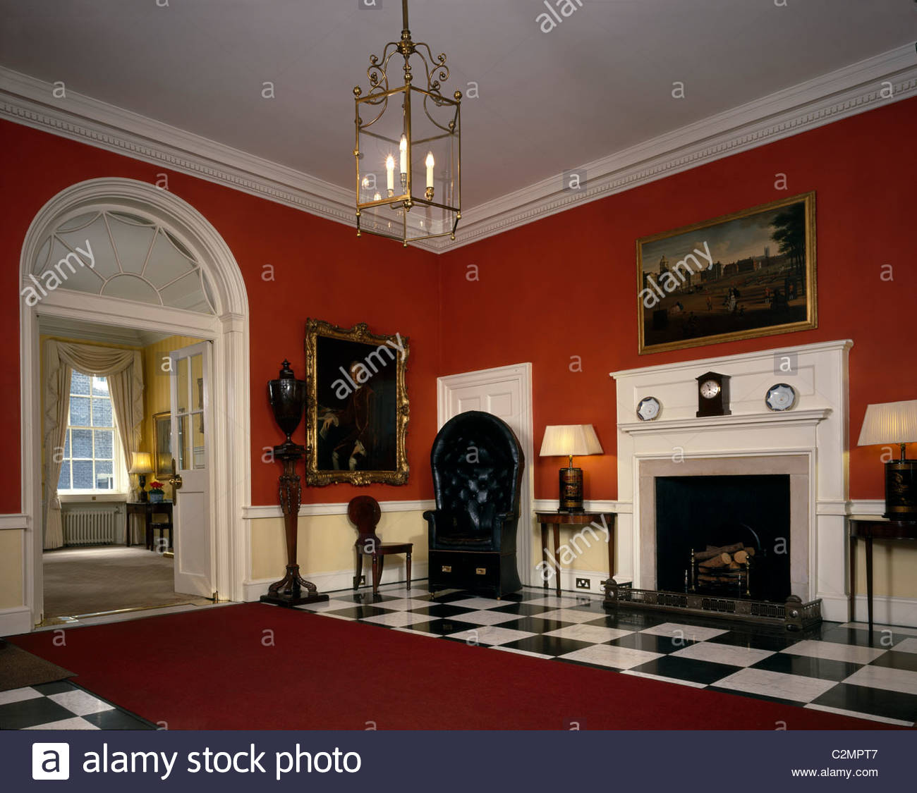 [Image: 10-downing-street-entrance-hall-looking-...C2MPT7.jpg]