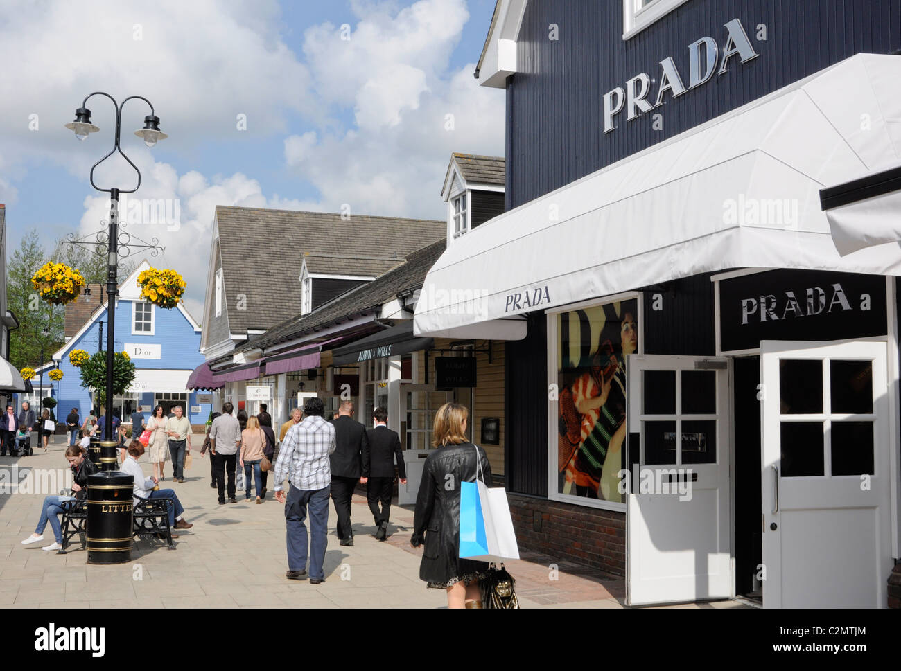 outlet stores stock photos u0026 outlet stores stock images alamy