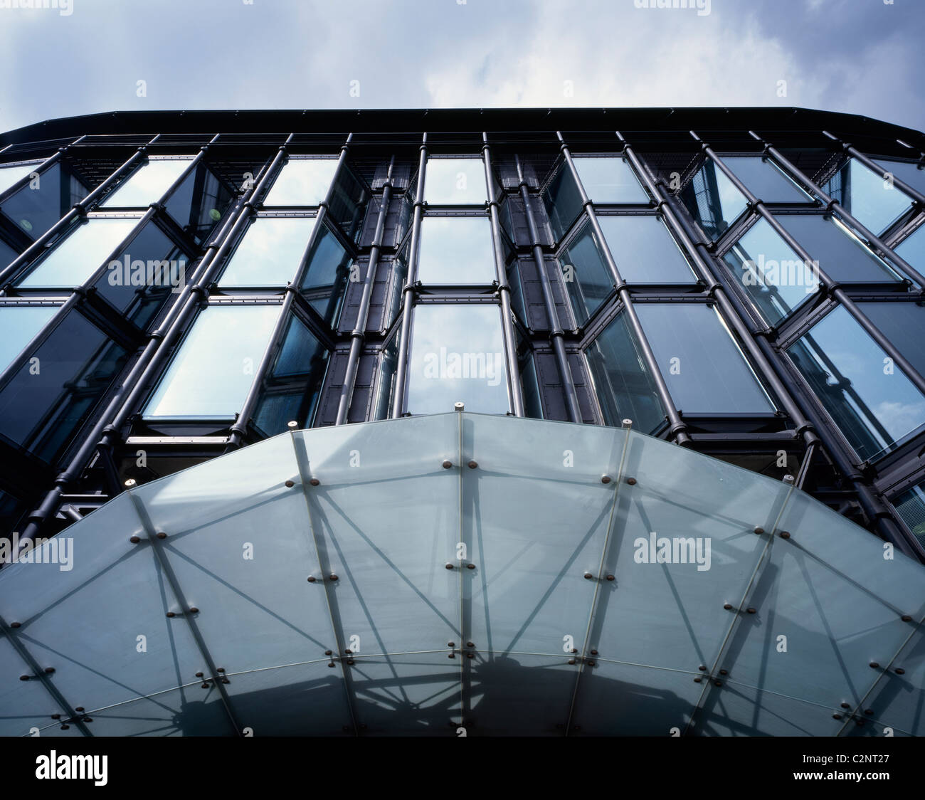 Bracken House London. Entrance canopy glazing detail & Bracken House London. Entrance canopy glazing detail Stock Photo ...