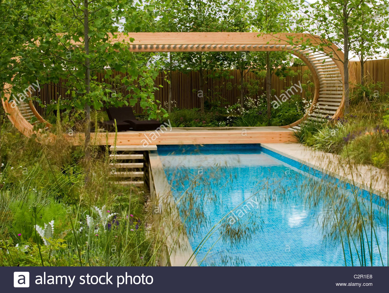 Chelsea Flower Show 2006: Cancer Research garden, Designer: andy ...