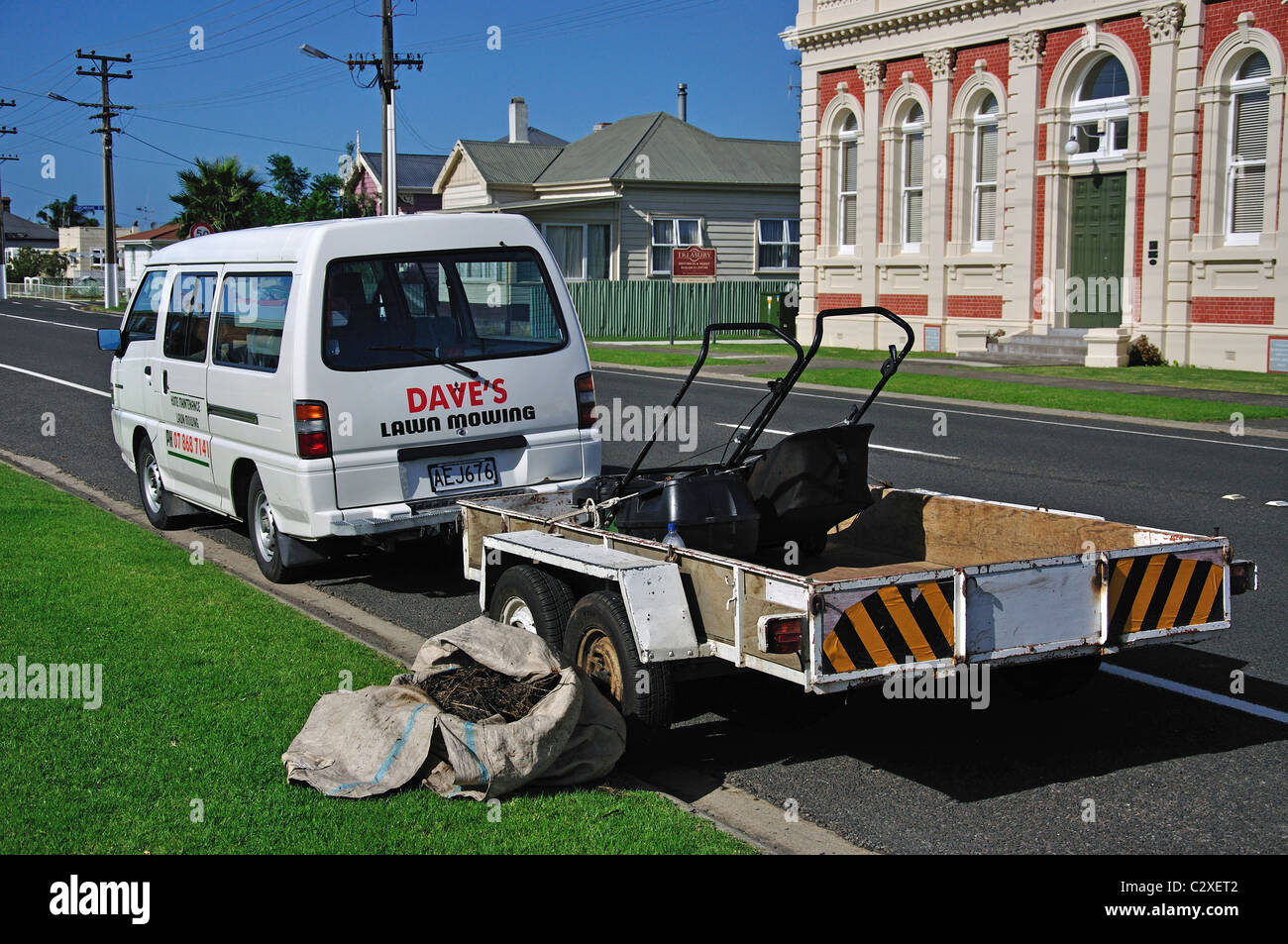Home maintenance and lawn mowing van with trailer thames for Garden maintenance van