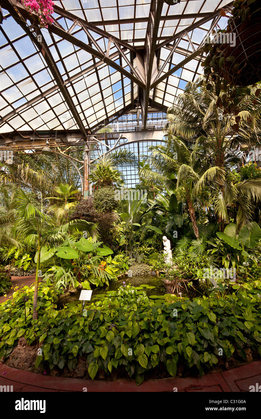 Lincoln Park Conservatory And Botanical Garden Chicago, IL