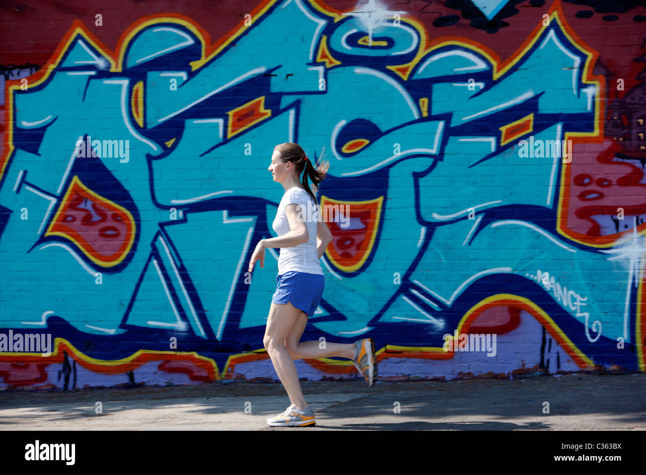 Painting Girl Running Stock Photos For Dance Street Wall 113lpg
