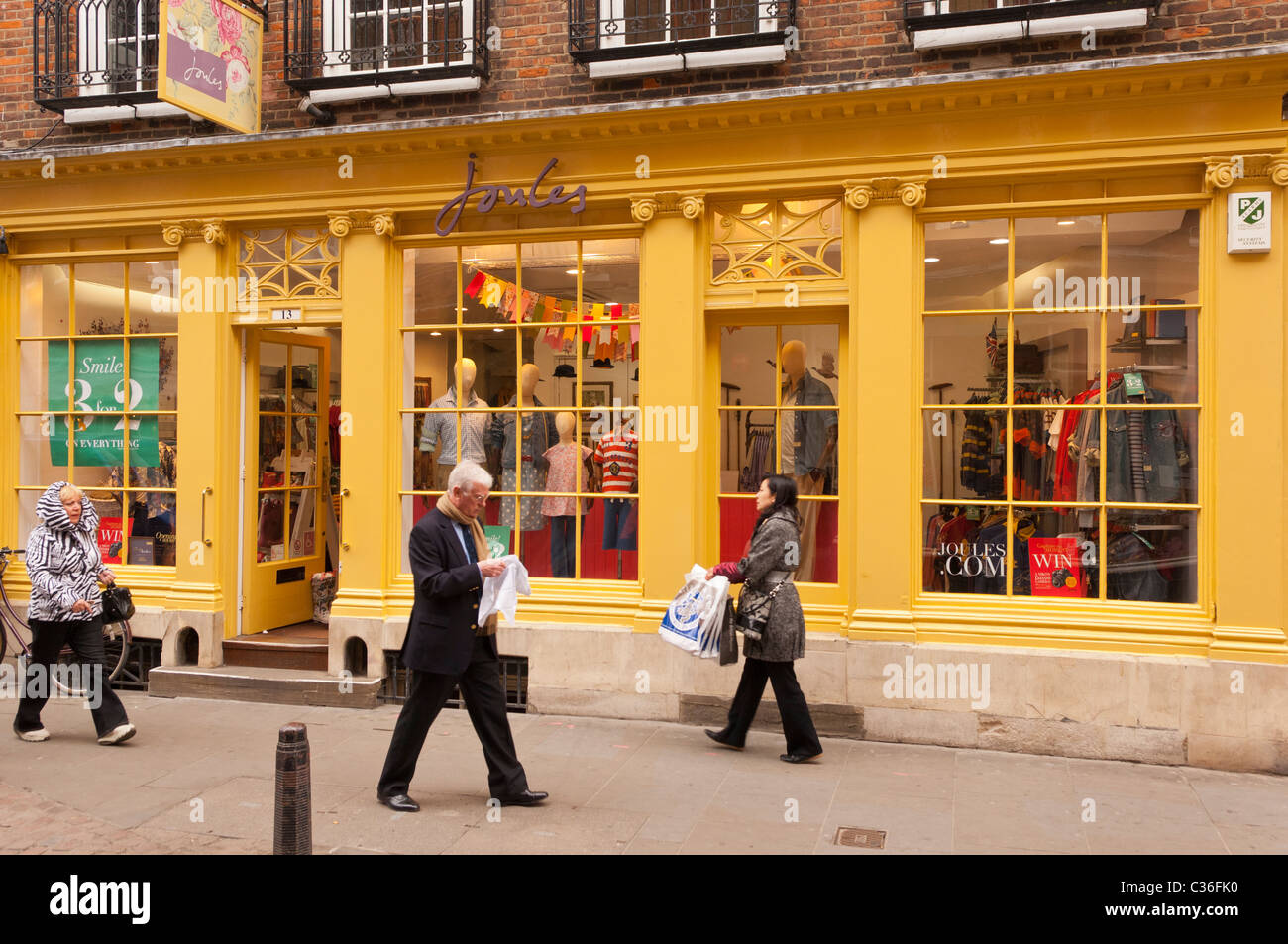 Uk clothes stores. F F Clothing at Tesco rolls out Nedap RFID technology