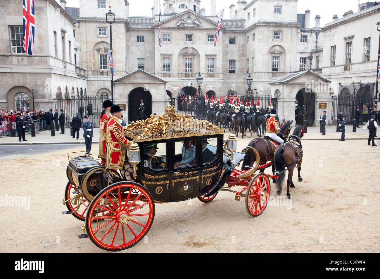 royal carriage royal wedding horse guards whitehall london uk stock photo royalty free image. Black Bedroom Furniture Sets. Home Design Ideas