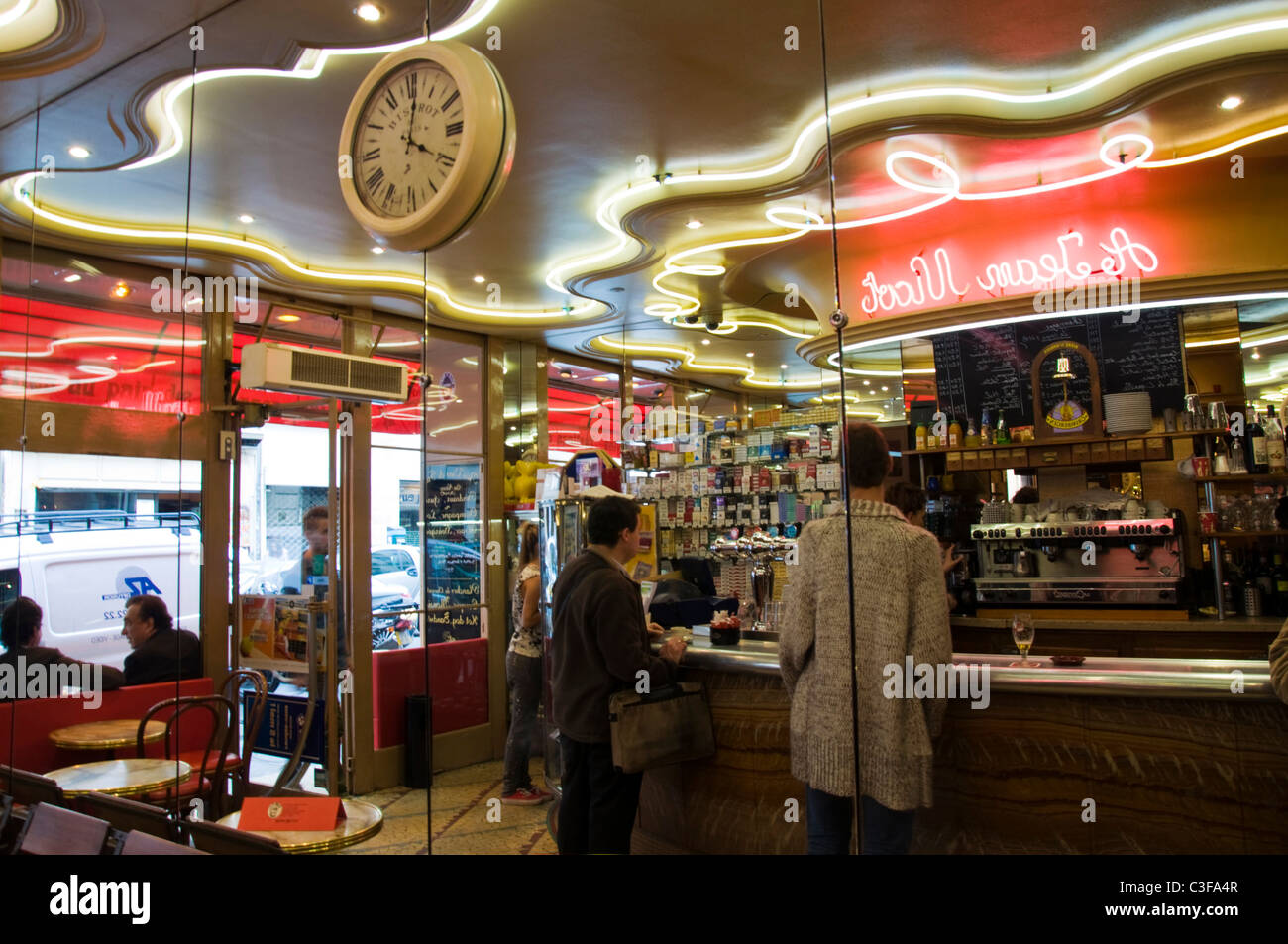 Cafe Tabac Rue National