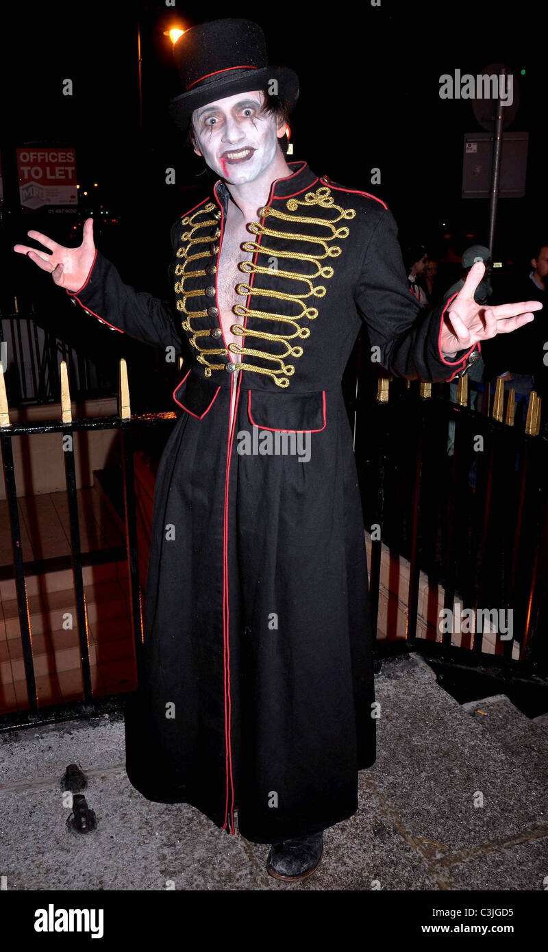 Ray Senior arrives to the Halloween Party at Krystle Nightclub ...